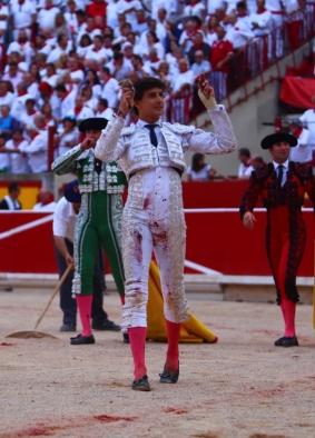 La temporada europea del 2018 está prácticamente cerrada Los líderes serán los mismos● Los jóvenes tendrán laoportunidad de surgir ● Severán iniciativas innovadoras PABLO J. GÓMEZ DEBARBIERI Para efectos prácticos, la temporada europea concluyó ayer con la Feria de Otoño de Madrid. Cierto que aún falta la Feria de Zaragoza, plaza de primera, pero su influencia –golpeada por malas gestiones y no completamente recuperada por Simón Casas− sobre lo que suceda en el 2019 es muy limitada. Por ello, podemos afirmar...