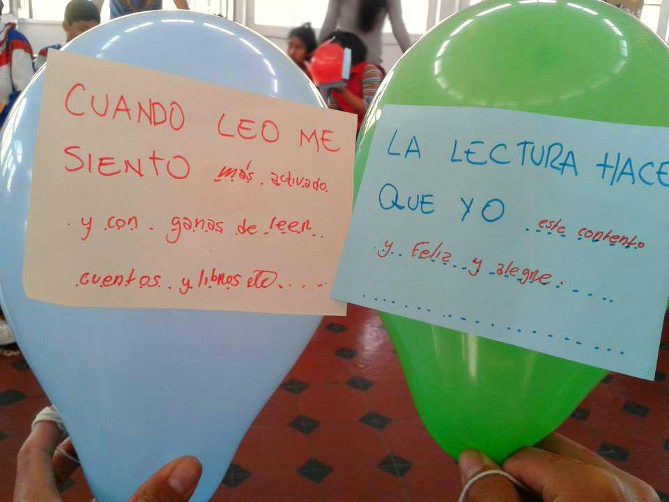 Frases escritas por los niños(as) de lectura divertida en una de las dinámicas del taller.