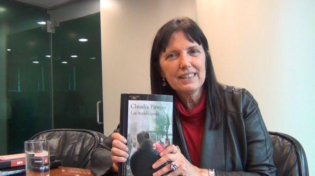 """Conversamos con la destacada periodista y escritora Claudia Piñeiro quien vino a la FIL Lima 2017 para presentar su novela """"Las maldiciones"""""""