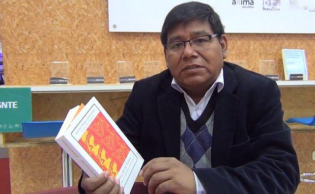 """Conversamos con el investigador y experto en literatura andina, Mauro Mamani, sobre su más reciente libro, """"Sitio de la Tierra"""", publicado por el Fondo de Cultura Económica"""