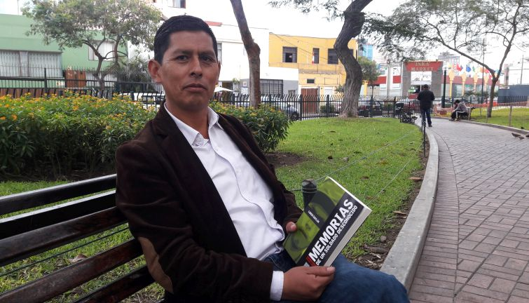 (Lurgio Gavilán y su libro publicado por el IEP)