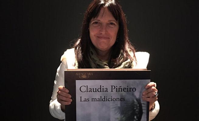 (Claudia Piñeiro es una de las más talentosas autoras de su país en la actualidad. Foto: Radio Nacional de Argentina)
