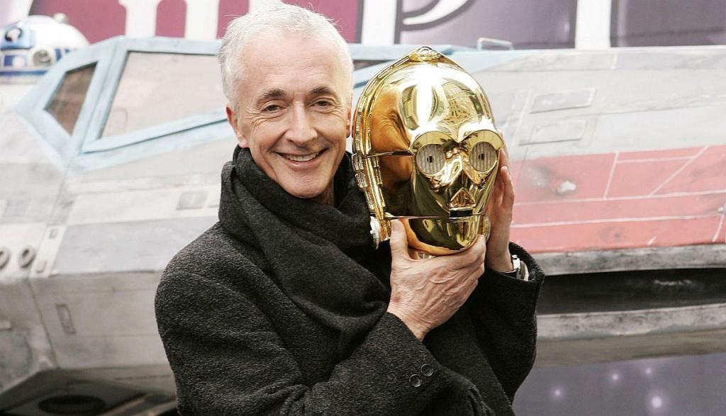 El reconocido actor que interpretó a C3PO en todas las películas de Star Wars publicó un extraño mensaje en Twitter.