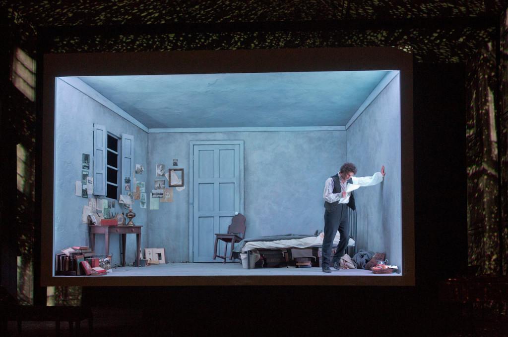"""Después de la impecable producción que vimos ayer vía satélite en cines de """"Werther"""" de Massenet desde The Metropolitan Opera, el Met decidió subir a su web la última escena de esta ópera"""