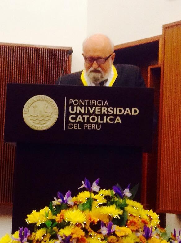 Penderecki dió un interesante y sentido discurso en español