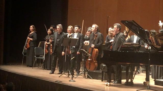 Este viernes el Trio di Parma, conformado por Iván Rabaglia, Enrico Bronzi y Alberto Miodini debutaron en Lima en el mas reciente concierto de temporada de la Orquesta Sinfónica Nacional, dirigida por el también parmesano y residente en Perú, Matteo Pagliari.