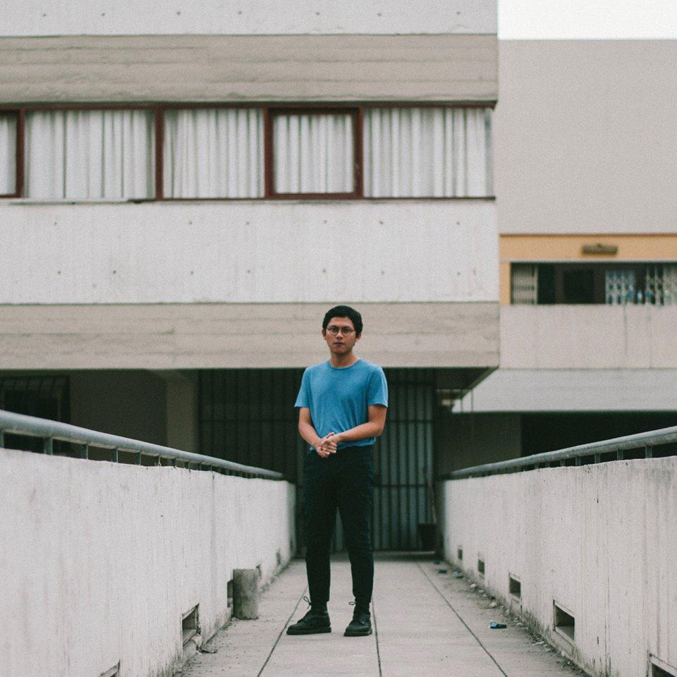 Santa García: la intimidad musical en el videoclip de «Habitación»