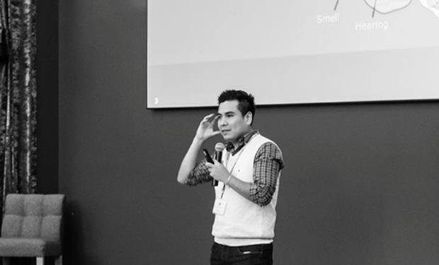 ¿Cómo lograr que puedas interactuar con un dispositivo electrónico pero de una manera natural? Los avances en inteligencia computacional son cada vez más impresionantes. Incluso ya hay dispositivos móviles que la usan para tratar de predecir las preferencias de su usuario. En este post, les voy a compartir un texto del doctor Omar U. Florez*, científico peruano del centro de investigación de Intel en Silicon Valley. Hay varias cosas interesantes que nos cuenta y que necesitamos saber.