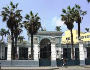 Santa Rosa de Lima, el Hospital Dos de Mayo y la tuberculosis en los servicios de emergencia